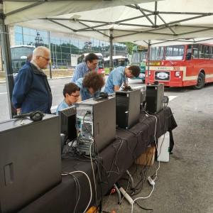 Rally Autobuses Clásicos: Sr. Sagalés (Sagalés) i Sr. De la Concepción (TUS) visitando el stand de Amics del bus