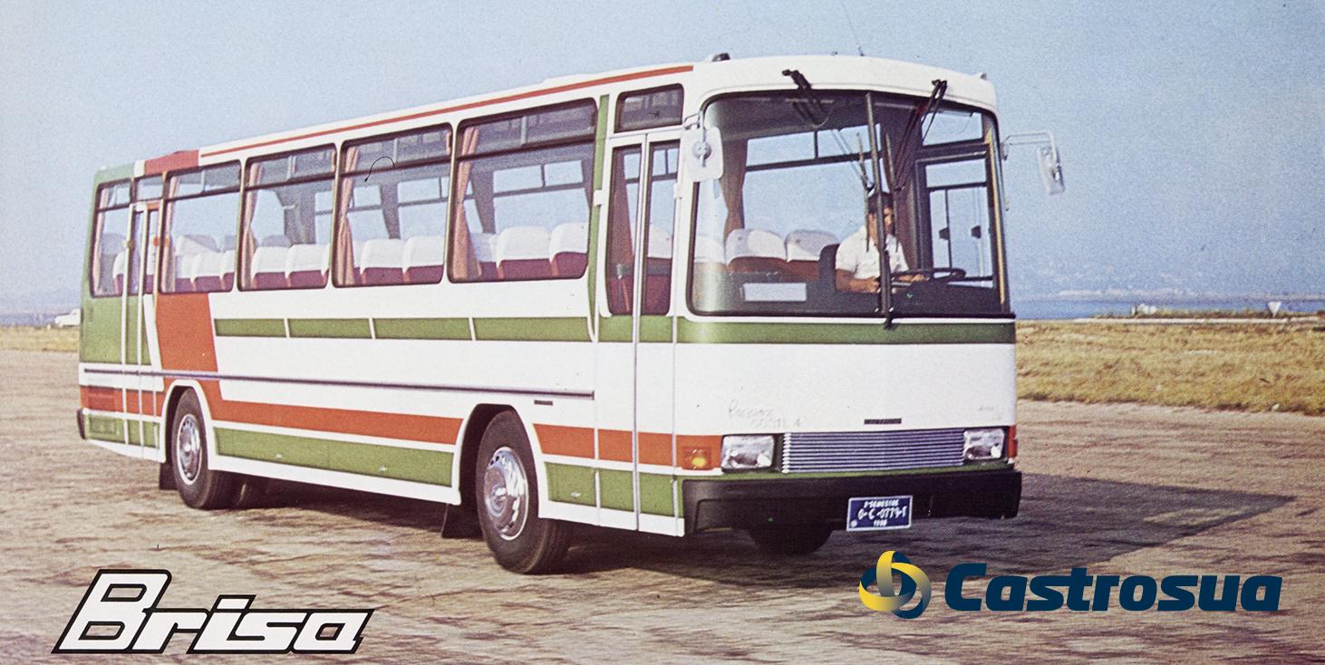 Conductor de autobús en un modelo con carrocería Brisa en los años 80